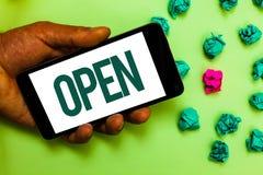 开放概念性手文字的陈列 企业照片文本允许事通过通过或为闭合的Tex直接用途相反  免版税图库摄影