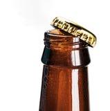 开放的啤酒瓶 免版税图库摄影