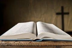 开放的圣经 库存图片