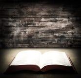 开放的圣经 图库摄影