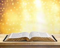 开放的圣经 库存照片