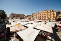 开放的市场看法叫fera à ² Luni,卡塔尼亚 库存照片
