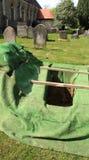 开放空的坟墓 库存照片