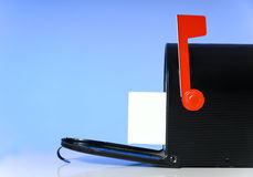 开放配件箱的邮件 免版税库存照片