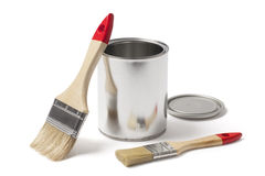 开放金属油漆能与新的刷子 免版税库存照片