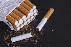 开放香烟装箱 免版税库存照片