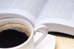 开放黑名册的咖啡 免版税库存图片