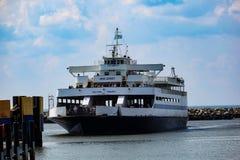 开普梅-刘易斯渡轮接近刘易斯船坞 库存照片