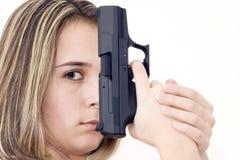 开枪妇女 免版税库存图片