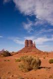 离开沙子和岩层在纪念碑谷 免版税库存照片