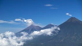 开火火山爆发,危地马拉 免版税库存照片