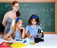 开玩笑书呆子学校实习教师妇女 免版税库存照片