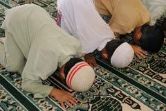 开玩笑穆斯林祈祷 图库摄影