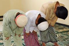 开玩笑穆斯林祈祷ramadan 库存图片