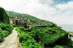 离开的海村庄 免版税图库摄影