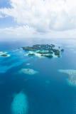 离开的热带天堂海岛从上面,帕劳 库存照片