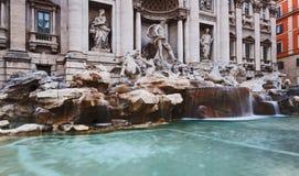 离开的罗马Trevi紧密 库存照片
