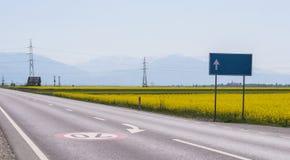 离开的高速公路 库存照片