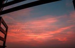 开窗口剧烈的天空 库存图片