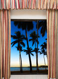 开窗口向海 库存照片