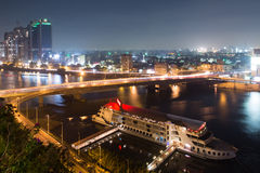 开罗夜交通 免版税库存图片