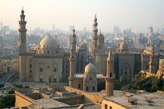 开罗都市风景许多清真寺 免版税库存图片