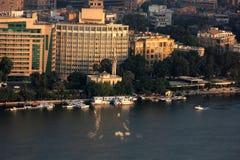 开罗鸟瞰图和尼罗在埃及在非洲 免版税图库摄影