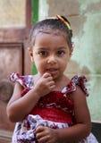 开罗,埃及- 2015年9月26日:未认出的埃及小女孩 免版税库存照片
