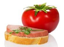 开胃三明治和红色蕃茄 免版税库存照片
