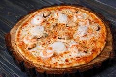 开胃传统意大利薄饼用海鲜,关闭 foo 免版税库存图片