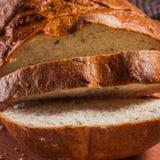 开胃切好的切片新鲜面包特写镜头 图库摄影