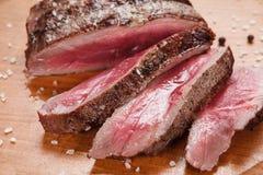 开胃切片可口媒介罕见的牛排 库存照片
