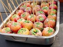 开胃可口点心被烘烤的焦糖苹果 免版税库存照片