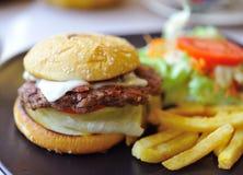 开胃大快餐莴苣三明治 免版税图库摄影