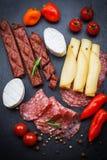 开胃小菜和开胃菜盛肉盘  图库摄影