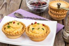 开胃小菜果子馅饼用柔和的奶油甜点 免版税库存图片
