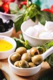 开胃小菜橄榄 免版税图库摄影