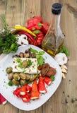 开胃小菜的不同的类型在牌照的 免版税库存图片