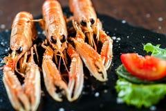 开胃小龙虾盛肉盘 库存照片