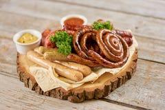 开胃烤香肠在餐馆 免版税库存图片