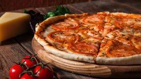开胃热的意大利薄饼,自创的快餐 库存图片