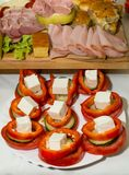 开胃菜和沙拉在桌上 库存图片