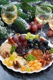 开胃菜对假日-乳酪,果子和果酱,垂直 库存照片
