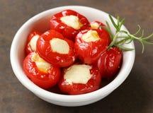 开胃菜开胃小菜甜椒充塞用乳酪 免版税库存图片