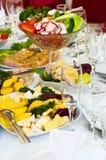 开胃菜正餐准备好的餐馆 免版税库存照片