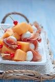 开胃菜用瓜、乳酪和火腿 免版税库存照片