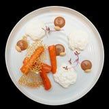 开胃菜用被烘烤的红萝卜和乳酪奶油甜点 库存图片