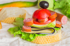 开胃菜用香肠和菜 库存图片