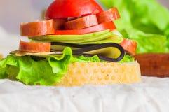 开胃菜用香肠和菜 库存照片