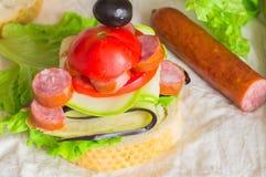 开胃菜用香肠和菜 免版税库存照片